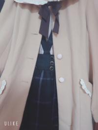 このコーデ可愛いと思いますか? 自分の持っている洋服の中で秋冬っぽいコーデを考えてみたのですが、自分では判断しきれず友達に聞くのも恥ずかしくて、、  茶色のロングコートに緑チェックのスカートです! 写真にはないですが、シンプルな白いブラウス等を合わせようと思ってます  ファッションに詳しくない方でもパッと見の印象等教えていただけると助かります!
