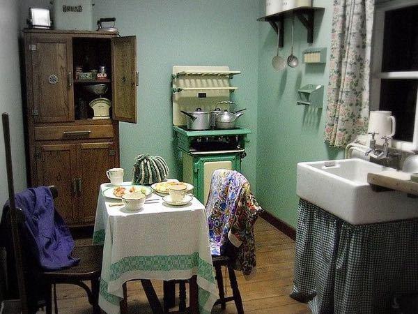 この部屋のスタイルをみてぱっと思いついたのが、シルバニアファミリーが好きな人が住んでそうとおもったんですが、分かりますか?