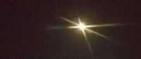 あの、月の左下に明るい星が見えるのですが、なんでしょうか?
