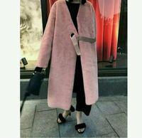 アラフォーがこのピンクのコートを着ていたら若すぎますか? ちなみに私は165cmで、ZARAを好んでよく着ます。