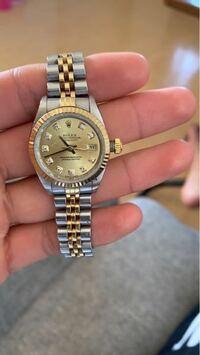 このロレックスの時計って修理したらいくらぐらいですか?