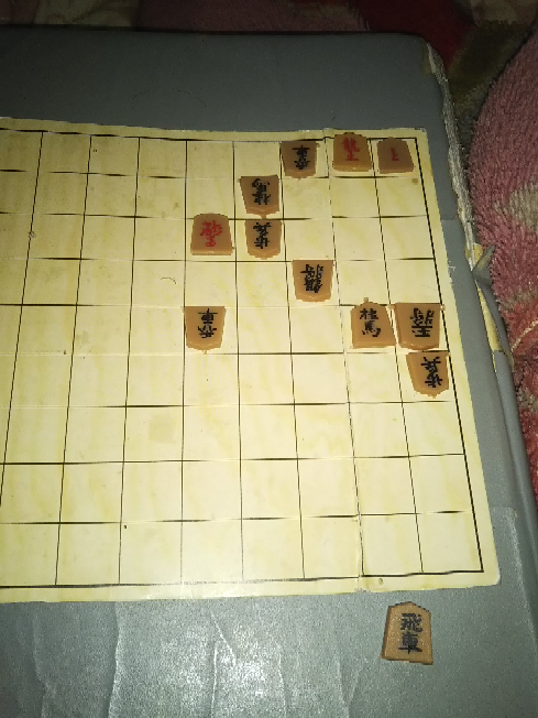 この詰将棋 出題された当時 プロ棋士は何分ぐらいかかったでしょうか? 例えば、詰将棋を解くのが趣味の三浦九段 答えを知ってる方は解答をご遠慮ください。 初見の時、正解したか?不正解か? その