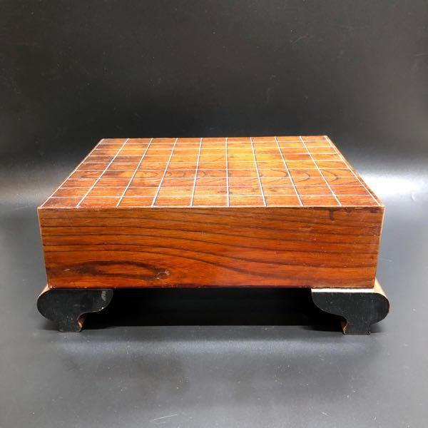 祖父が大事にしていた将棋盤があるのですが、この将棋盤の木の材質がわかる方教えてください。 なんの木を使っているのでしょうか?