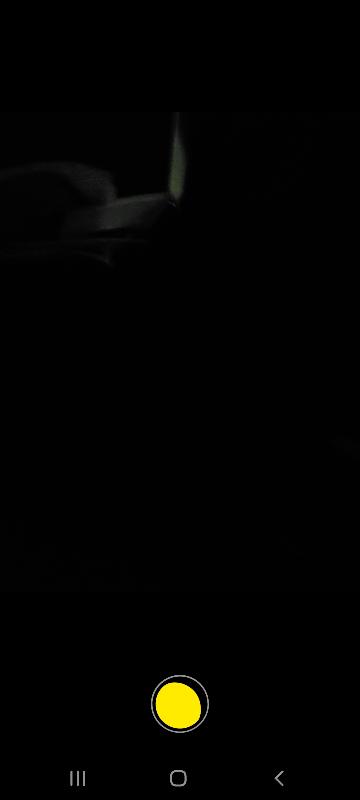GalaxyS20プラス5Gを利用しているのですが、夜中だけカメラを撮影する際、カメラのボタンに 月のようなマークがでます。この月マークがででると、三日月→半月→満月となり、満月になるまで撮影が...