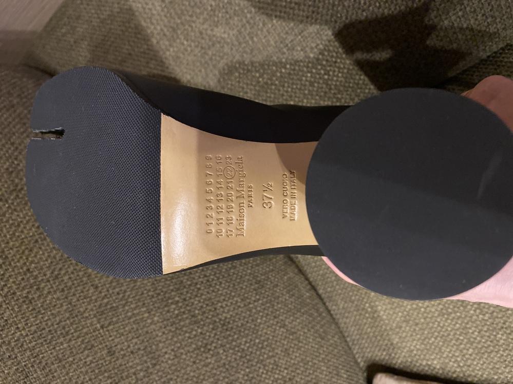 メゾンマルジェラの足袋ブーツをネットで購入したのですが、偽物でしょうか?
