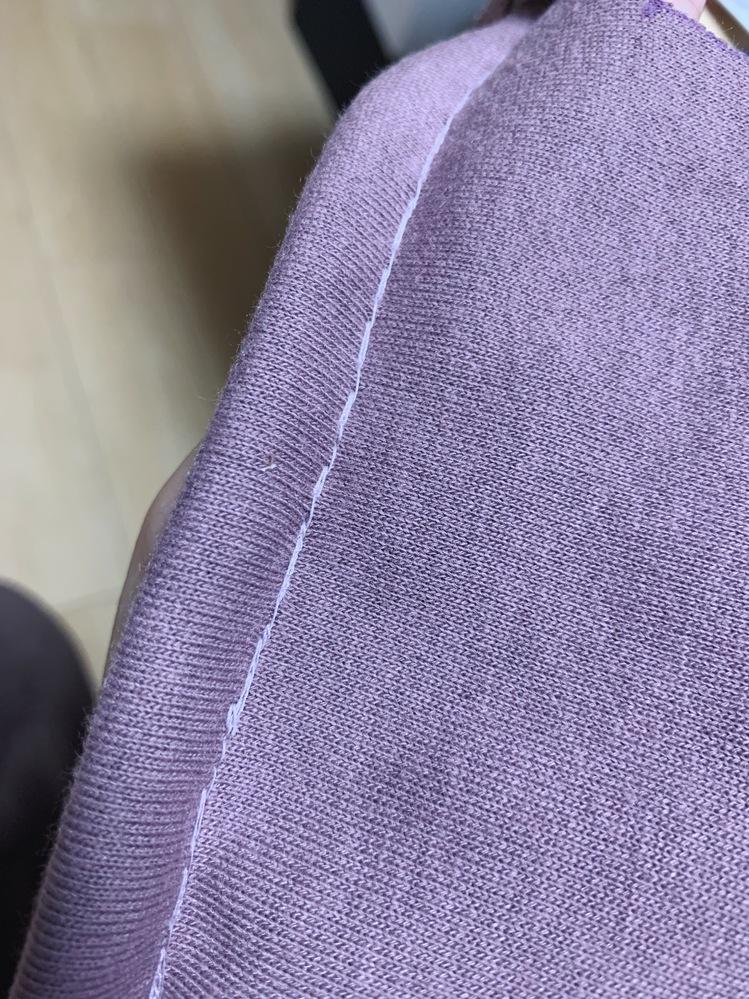 ミシンの下糸が写真のようになってしまいます。 何が原因でしょうか? 今までは普通に縫えていました。 糸調子もかまってみましたが直りませんでした。