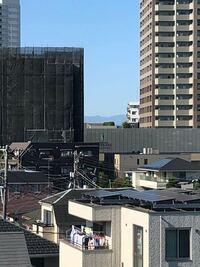 これ山ですか?撮影場所は西武線の石神井公園駅の近くで、下り方面を撮影しました。