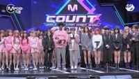 これってIZ*ONEの身長が低いんですか?それともGFRIENDの身長が高いんですか? BIGBANG EXO SHINee SUPER JUNIOR BLACKPINK iKON WINNER DAY6 GOT7 Stray kids treasure IZ*ONE TWICE 少女時代 東方神起 NCT NCT ...