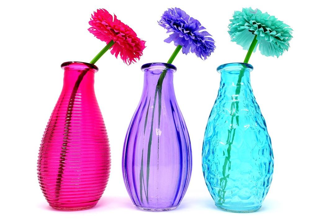 添付画像の花の名前を教えてください。 また、この花は季節でいうと 春夏秋冬どれに当てはまりますか? お願いします!