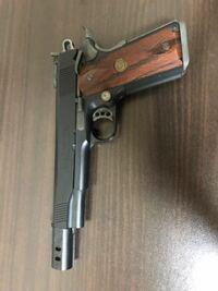 父からこのガスガンをもらいましたでも、どう言う銃か分からないので詳細を教えてください!