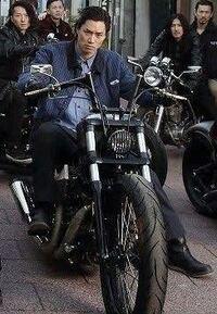 ハーレーダビットソン バイクについて質問です。  将来ハーレーに乗りたいと思っています。 この画像のバイクはどのタイプなんでしょうか?  自分で調べても知識が足りずハッキリと特定出来なかったので詳しい方、分かる方がいたら是非教えていただきたいです!