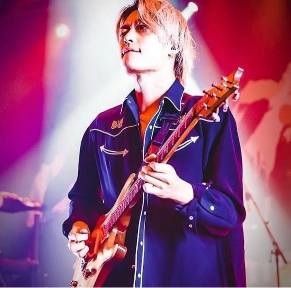 このワンオクのToruが使っている写真のギターの種類わかる方いますか?