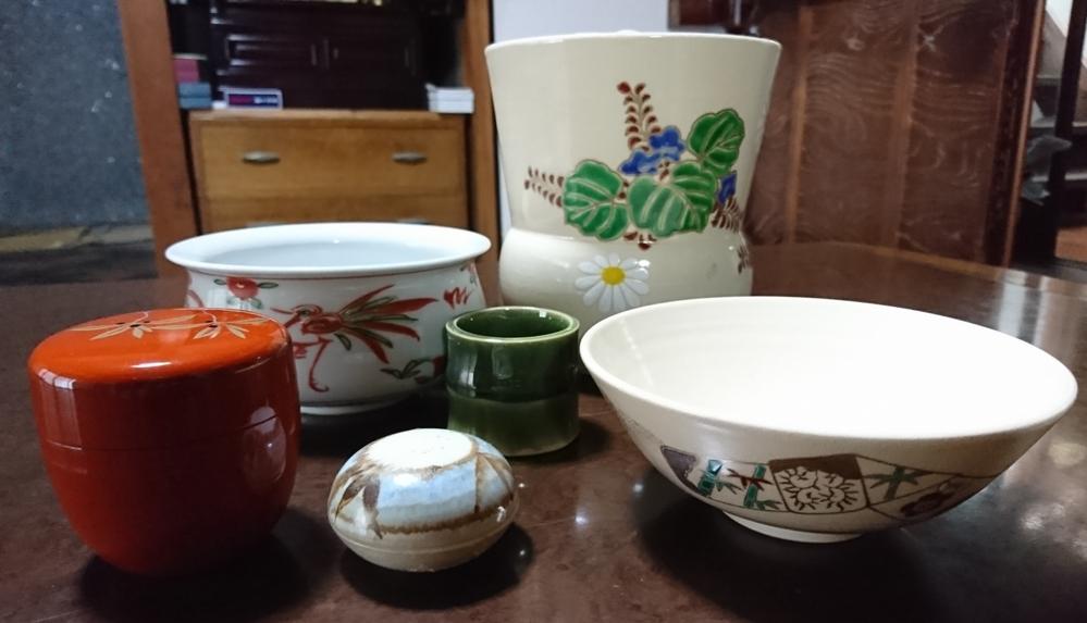 お茶の道具等なのですが、おいくらぐらいするものなのでしょうか? 教えて下さい。 宜しくお願い致します。