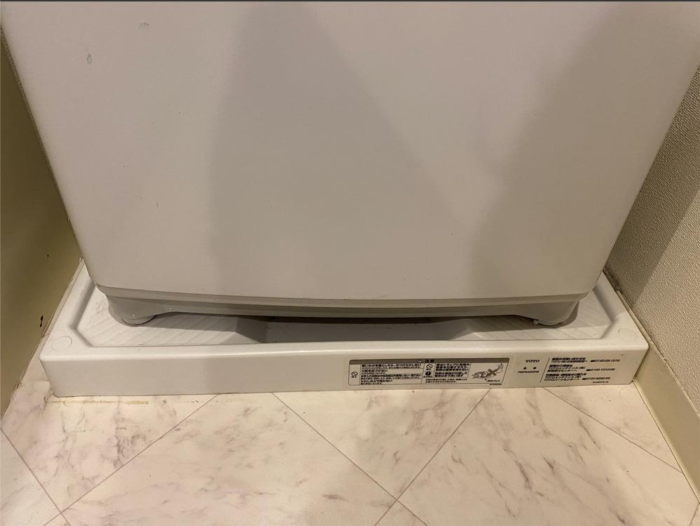 ドラム式洗濯機の設置について ドラム式洗濯機(Panasonic/vx-300)を購入し、設置しに来てもらったのですが、横幅はギリ大丈夫でしたが、防水パンの凹凸と洗濯機の足が合わない可能性がある...