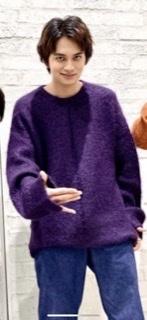 なんて言うセーターですか?