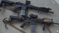 実銃のm4のハンドガードってガタ着きますか? 沢山のアタッチメントをつけていますがそれは影響するのですか?