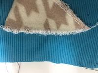 babyrockミシンを購入したのですが 糸調子がうまくできません。(ロックミシン初心者です) 最初から設定されている状態で縫ってみたのですが縫い目が緩くなってしまいます。原因と解決策を教えてください.