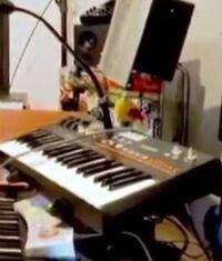 このキーボードどこのメーカーか教えて下さい