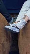 この靴、どこのメーカーか分かりますか?メーカーじゃない可能性もありますが...