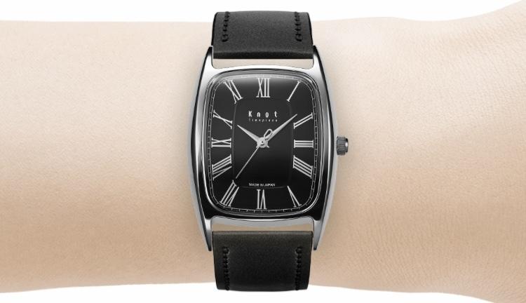 Knotの腕時計でトノーというレディースのモデルがあるのですが、メンズが付けるのはおかしいでしょ