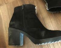 こういう黒い革ブーツの白いスレなどは、靴屋さんに持っていったらなおしてくれますか? だいたいいくらくらいかも教えていただきたいです。