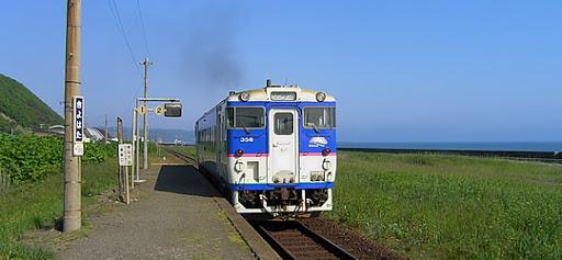 日高本線が、 2021年4月まで、廃止されないのは、 なぜですか。 鉄道馬車のように、 馬車...