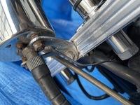 スティード400のスピードメーターをタンク横に移設しようと思っているのですが 細い方の配線は何の配線なのでしょうか? またこれを繋がなければ どうなりますか?  優しい方回答お願いします!