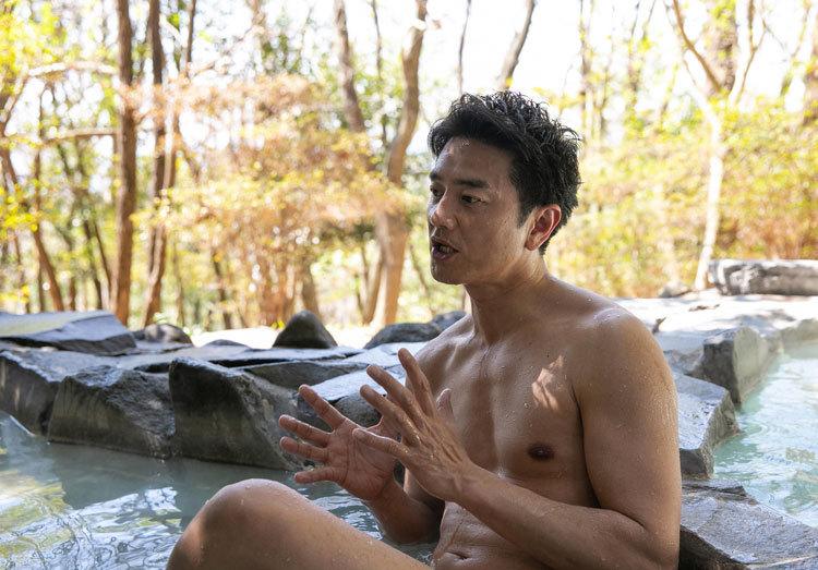 原田龍二さん 温泉番組でタオルまがずに自然でいいと思うんですけど 入る前に股間くらいもっと入念に洗ってから入ってほしいと思いませんか?