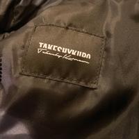 こちらのブランドは何という名前のブランドでしょうか? イタリア製のものらしいのですが、読み方が分からず困っております。ご存知の方がいらっしゃいましたら、ご教示頂けますと嬉しいです! よろしくお願い申...