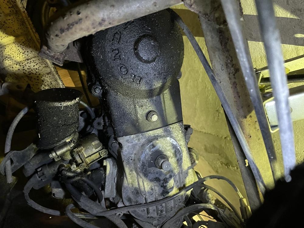 タケオカ アビーの車体番号はどこに打ってあるかわかる方いましたら教えてください。 後メーターDJ1 で2stエンジンの型式、パーツを流用できる原付わかる方いましたら教えてください。