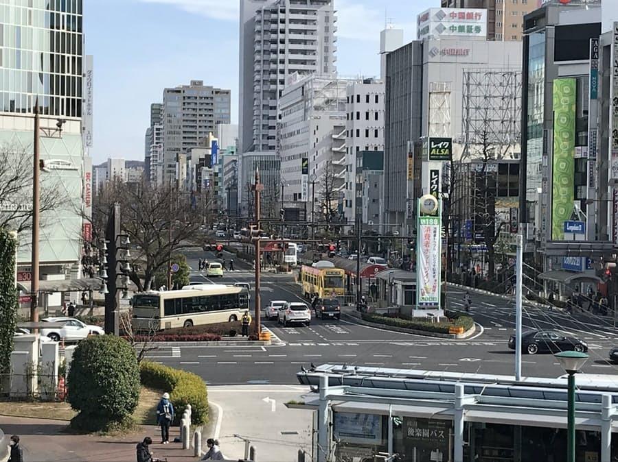 中四国の州都・岡山市と、横浜市ではどちらが都会だと 思われますか?? 岡山の中心部です。