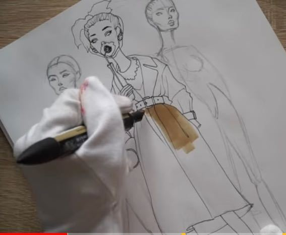 写真のペンはアルコールペンですか?それとも水彩ですか?