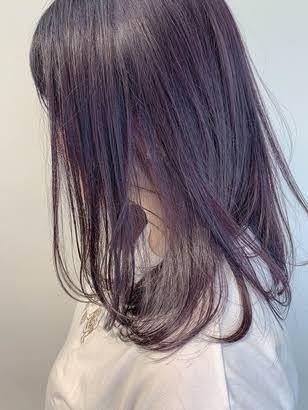 高校卒業するのでそのタイミングで画像のような髪色にしたいです。 画像のような色に染めたいんですがブリーチはしたくないです。 地毛で染めたことはないので黒染めとかはしてません。 黒染めしてなければブリーチしなくてもこの色入りますか?