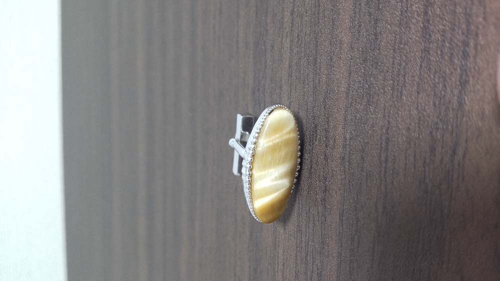 この宝石は何でしょうか?この宝石の名前を教えて下さい。