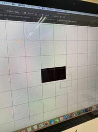 フォトショップでグリッドに合わせる フォトショでドット絵を作成したいのですが パソコンを変えて前と同じ設定のはずが、グリッドと鉛筆ツールが写真のようにズレます。 スナップは消してます。  どうすれば直るでしょうか?
