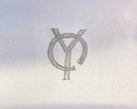 このロゴどこのブランドか分かりますか?