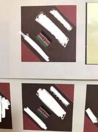 プリンター印刷について質問です。 同じ条件で続けて印刷したのですが、1枚目と2枚目の印刷の質に差が出ました。 1枚目(上)は綺麗に均一に印刷されていますが、2枚(下)は細かくマダラ模様になってしまいました。 原因は何が考えられますか?