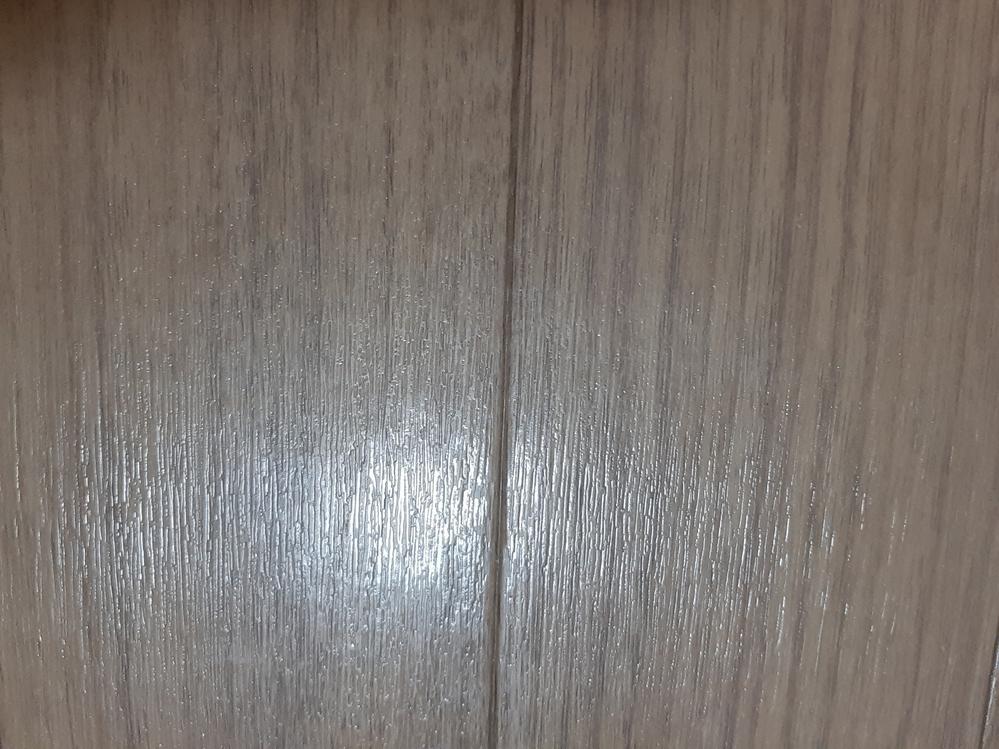 画像の床材の品番がわかる方教えてください。