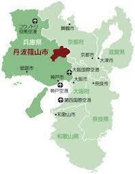兵庫県丹波篠山市は未だに舞鶴若狭自動車道のIC名が「丹南篠山口」ICで、JR福知山線の駅名が「篠山口」駅のままですか? どちらも「丹波篠山」などに改称の見込みはないのですか?