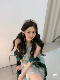 一目惚れしたのでこの中華美人さんの名前をどうしても知りたいです、、、 知ってる方いませんか??