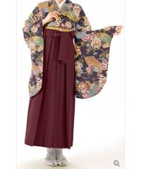 卒業式にこの袴だと地味すぎますか? 個人的には気に入っているのですが......