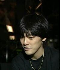 尾崎豊さんのような骨格のイケメンいますか? 顎がシャープな感じです。高身長の方に多い感じがします。俳優かアイドルでいたら教えてください!!
