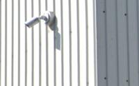 プロは監視カメラとダミーのぱっと見分けをつけれるのですか? 試しにこれは本物に見えますか?ダミーに見えますか?