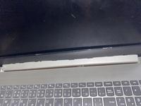 ノートパソコンのディスプレイ部分のパーツが外れかかってるのですか治し方わかる人教えてください