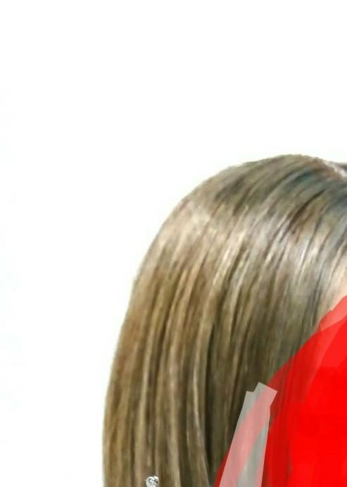 この髪の色何色に見えますか? カーキーですか?茶色ですか? この髪を茶色で染めたらちゃんと染まりますか?