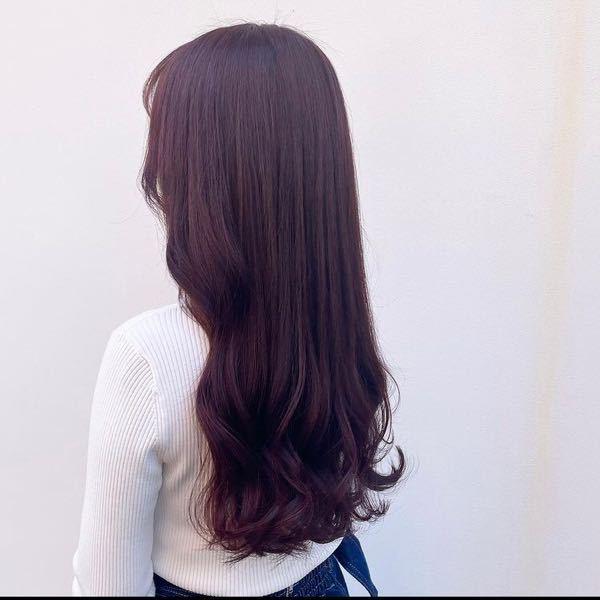 初めて髪を染めるのですが、ブリーチなしWで画像のようなピンクラベンダーにしたいです。色は入りそうですか?また、色落ちはどんな感じになりそうですか? 髪質は細くて柔らかいです。