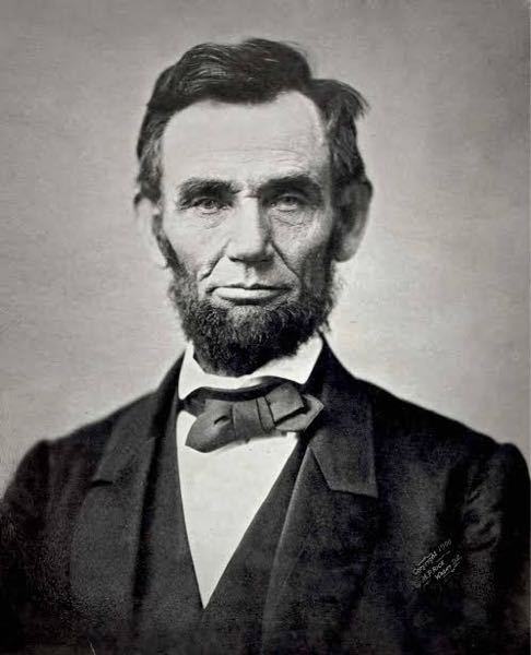リンカーンの顔について質問です。有名なこのお顔ですが、これは写真なのでしょうか?肖像画なのでしょうか? 19世紀には写真の歴史がはじまっていたとなにかで読んだ気がするのですが、あの偉大なリンカー...