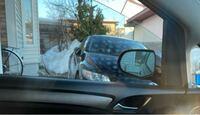 車の窓ガラスなのですが、サングラスを通して見たり光の加減によって、画像のような斑点模様が見える事があります。これはなんでしょうか?