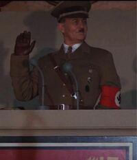 インディージョーンズの最後の聖戦でナチスの人たちが、本焼いているシーンがありましたが、なぜ焼いていたのでしょうか?またそのシーンでナチスのトップであるヒトラーぽい人いましたよね?この人がヒトラーでした でしょうか?