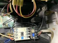 単相200vで三相200v岩田コンプレッサーTLD22-10を動かす配線を教えて頂き実践しました。 動いたのですが、設定圧力でモーターが止まらず アンローダー型になってしまいました。 インバーターの設定方法を教えて下さい。 宜しくお願い致します。